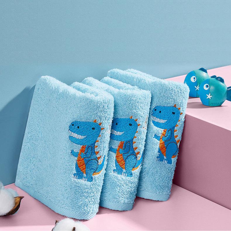 Velvet cotton embroidered bath towel